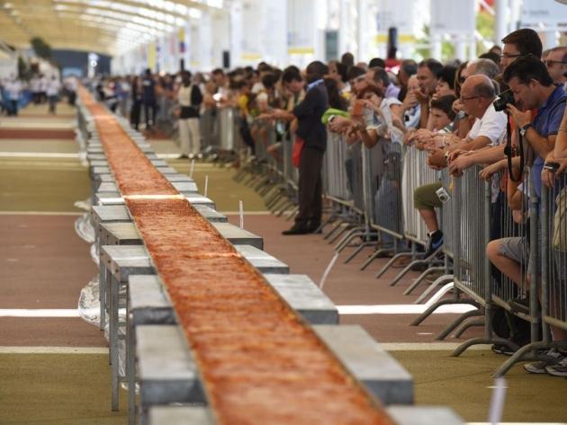 Cea mail lunga pizza din 2015
